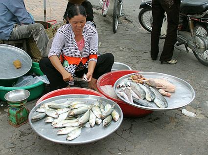 fish-street-vendor