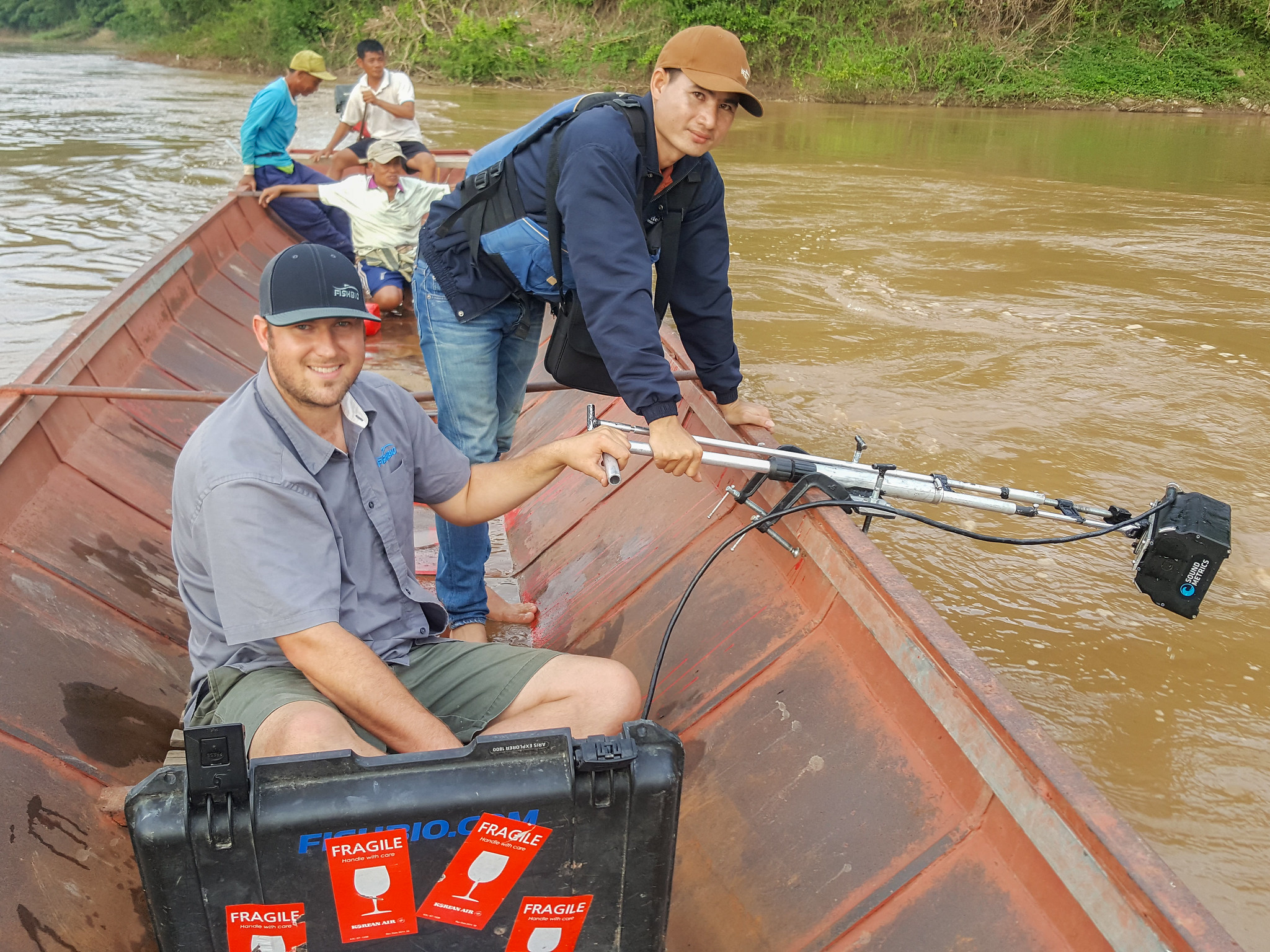 FISHBIO team wtih the ARIS in Laos Mekong River