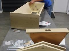 Assembling bee box