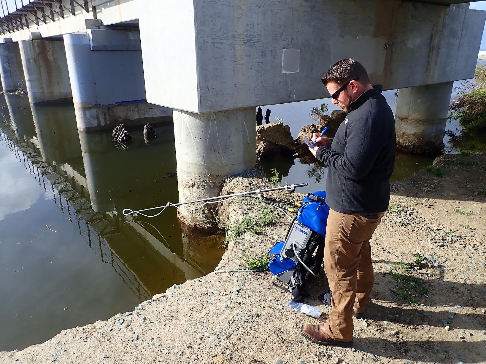 Backpack-sampling-for-eDNA-in-San-Mateo-Creek