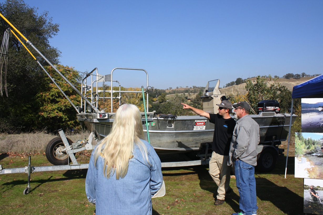 Explaining our e-fishing boat