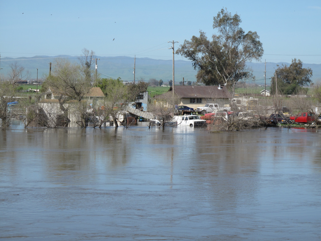 Flooding in Newman California 2011