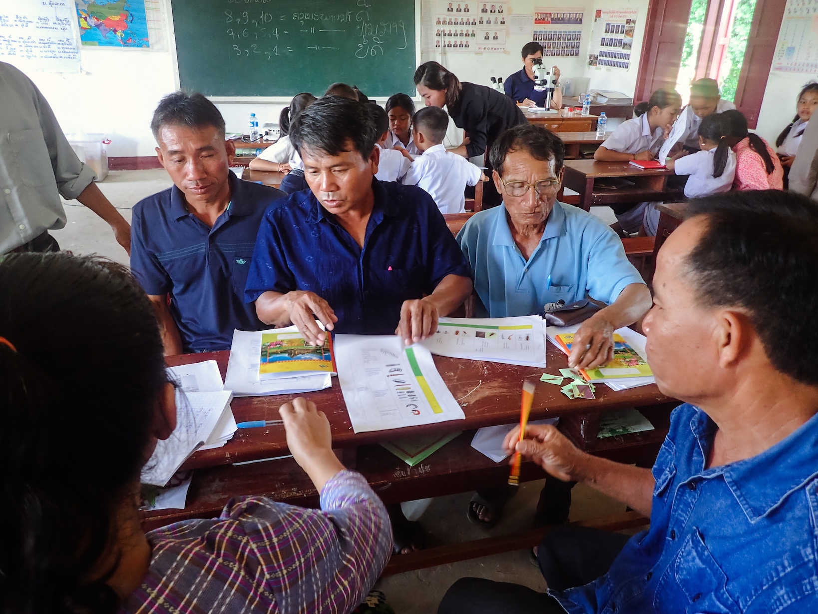 Learning macroinvertebrate categories in Laos