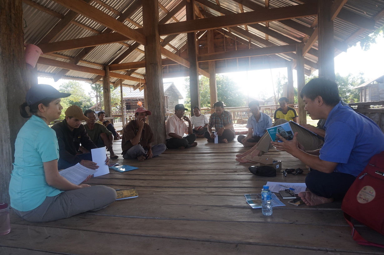 Reviewing results of FCZ assessment with Kengmeaw village