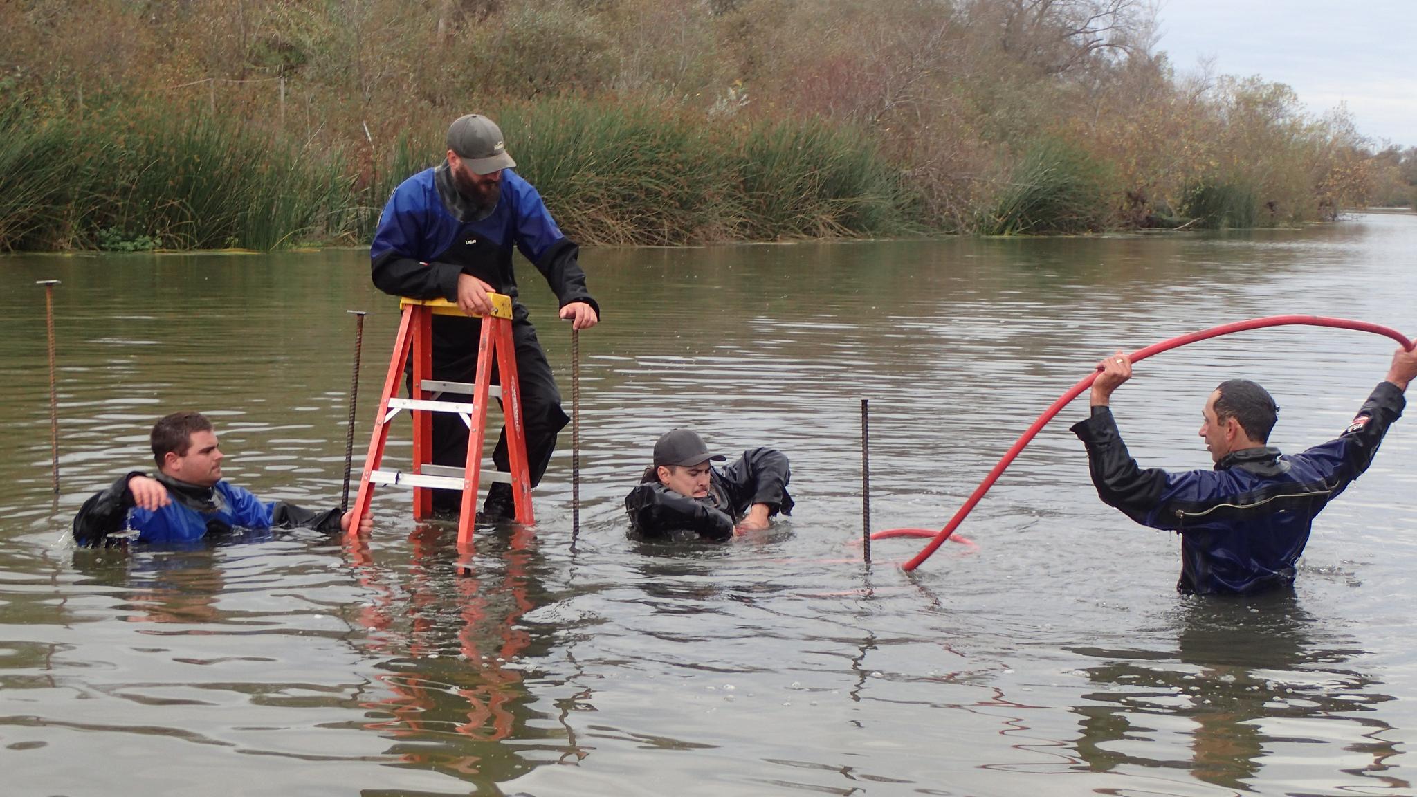 Salinas Weir install deep water