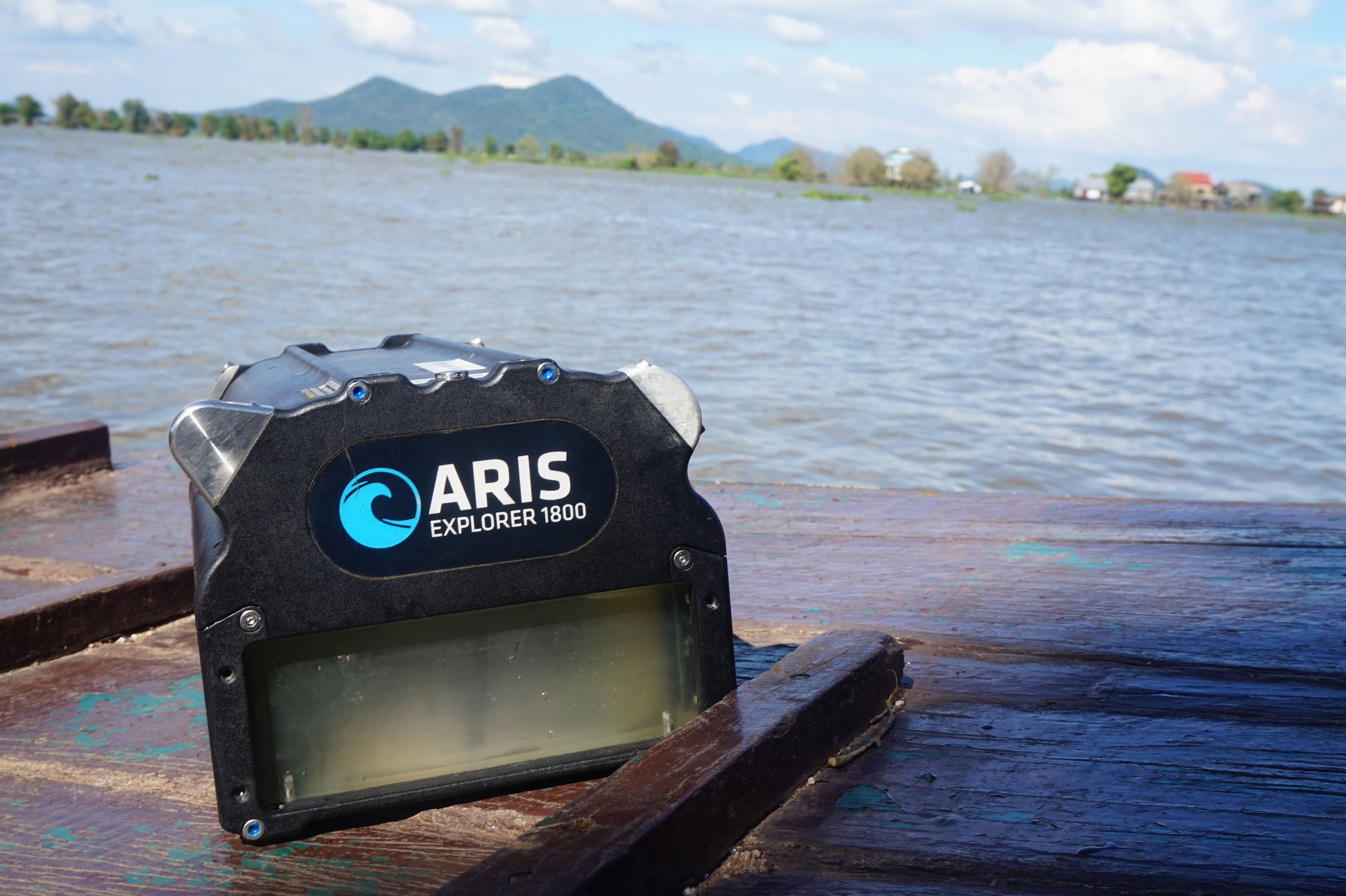 The ARIS camera at the Tonle Sap River